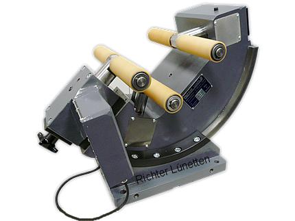 Wellenfräsmasch - Half Automatic Clamping Unit, made by H. Richter Vorrichtungsbau GmbH, Germany